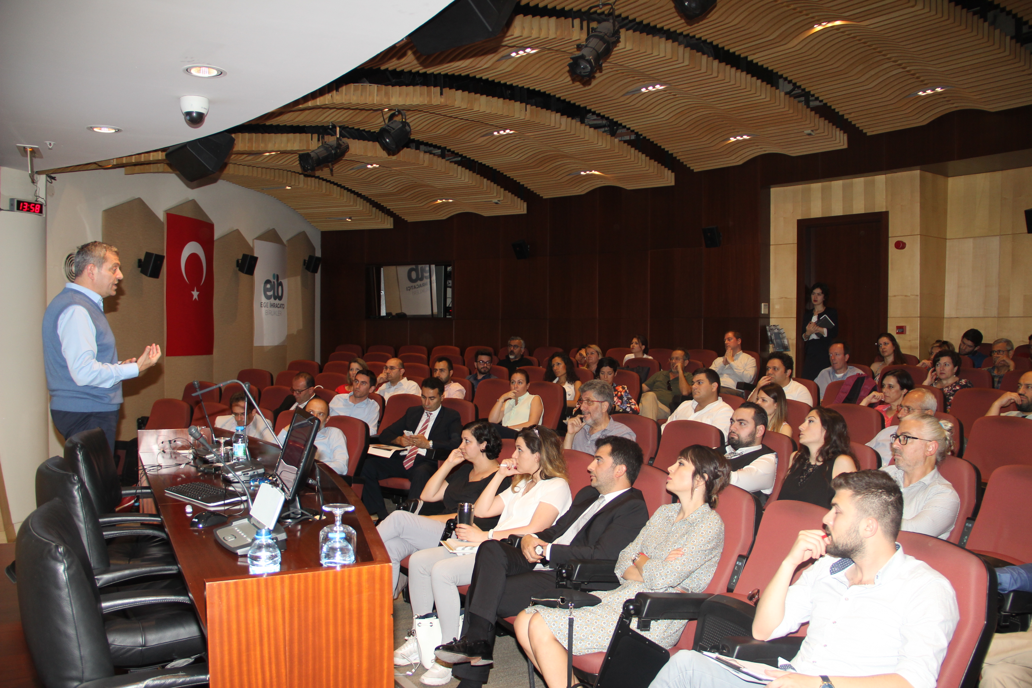 İnoSuit Knowledge And Experience Sharing Session attracted intensive attention at İzmir